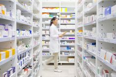 Don't struggle any longer getting your prescription. Here, at the compounding pharmacy located on Robertson in Beverly Hills, we can solve your issues in 10 minutes or less.