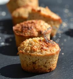 Muffins miel, citron, son d'avoine – Vanish Délices - decconstruction Desserts With Biscuits, Ww Desserts, Healthy Muffins, Vegan Cake, Cookies Et Biscuits, No Cook Meals, Food Inspiration, Sweet Recipes, Food And Drink