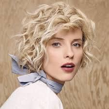 Short curly square of Camille Albane - hair - Cheveux Short Wavy Hairstyles For Women, Blonde Bob Hairstyles, Blonde Wavy Hair, Sleek Hairstyles, 2015 Hairstyles, Short Hair Cuts For Women, Undercut Hairstyles, Short Haircuts, Short Blonde