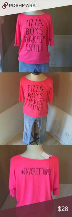 •Pizza Boys Makeup Selfies Tee• Super soft tee that is such a fun shirt!! Says size small but could fit up to a medium. Pair with denim shorts to complete this look. Messy Buns Lazy Days Tops Tees - Short Sleeve
