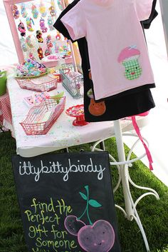 ittybittybirdy craft show display (2010) by ittybittybirdy, via Flickr