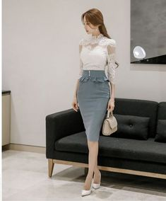 Elegant and cute outfits for the office. Korean fashion Source by rosemnjeri Floral Dress Outfits, Pencil Skirt Outfits, Classy Outfits, Fall Outfits, Cute Outfits, Formal Outfits, Modest Fashion, Fashion Dresses, Outfit Elegantes