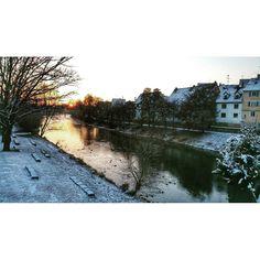 Mystic winter morning.  #winter #morning #mystic #river #fluss #donau #danube #snow #schnee #munderkingen #sunrise #sky #sun #himmel #sonnenaufgang #sonne #morgenrot #haus #landschaft #oberschwaben #badenwürttemberg #schwaben #town #village #stadt #meinbw #pin