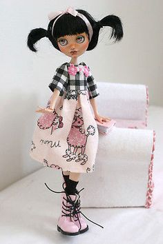OOAK-Custom-Ever-After-High-Monster-High-doll-Poppy-OHair-repaint-Lil-Pinkie