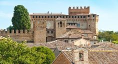 Il borgo più bello Gradara, in Le Marche, komt voor in Dantes Inferno. Dat lijkt misschien geen goed...