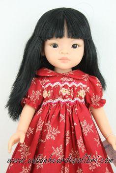 Poupée mei robe rouge fleur de rubis