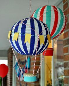 diy hot air balloons - New Deko Sites Diy Hot Air Balloons, Hot Air Ballon Diy, Decoration Creche, Diy And Crafts, Crafts For Kids, Balloon Decorations, Balloon Ideas, Baby Party, Classroom Decor