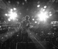 Shawn Mendes performando no Rock in Rio, Brasil - 16 de setembro. #ShawnMendesNoRockInRio