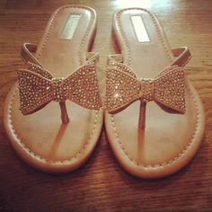 I hate wearing flip flops but I'd make an exception for these...