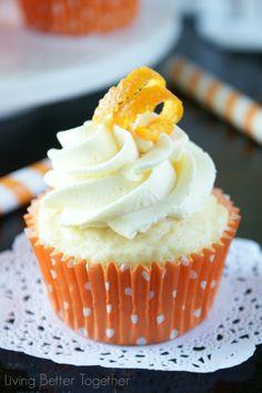 Orange Creamsicle Cupcakes | www.livingbettertogether.com