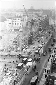 Berlin: Blick von in die Voßstraße (von Wertheim) mitBaubeginn der Reichskanzlei; etwas höher (1938)