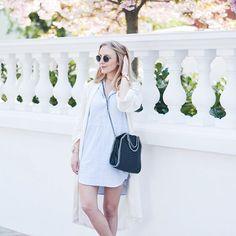 Flowers everywhere 🌸✨ // On en parle de l'omniprésence des fleurs à Notting Hill ?! C'est vraiment sublime ! Sinon dans cette tenue je porte ma nouvelle petite acquisition londonienne : ma robe chemise éthique @peopletreeuk ! Je la trouve juste parfaite avec mon kimono @bySigne (bon par contre désolée pour les jambes blanchissimes, c'est leur première sortie de l'année... 😁) ! Belle matinée à vous 💛 #ecofashion #sustainablefashion #fairfashion #fairtradefashion #lovepeopletree…
