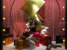 Window display designed and styled by Rich Art Design. A Magicians Christmas in Rotterdam