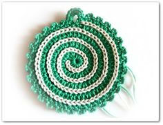 Made in K-town: Spiral Coaster/Potholder Pattern ~slip stitch on top makes the spiral; how easy is that?