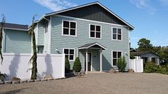 Lincoln City House Rental: Surfer's Beach Retreat-heated Swimspa-hot Tub-viking Kitchen-70' Tv   HomeAway