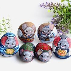 Rat's family @is.ideastone #rat #stonepainting #stoneart #paintrocks #painting #art #artforgifts #illustration #ideas #handmade #artmagazine #characterdesign #handpainted #gifts #artforsale Painted Rock Animals, Painted Rocks, Hand Painted, Rat Family, Stone Painting, Rock Painting, Pet Rocks, Magazine Art, Stone Art