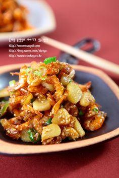 Vegetable Seasoning, Korean Food, Kung Pao Chicken, Pork, Food And Drink, Baking, Vegetables, Ethnic Recipes, Garlic Shrimp