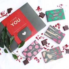 WEBSTA @ awildflowerlife - I hope you all had a wonderful day (and ate some chocolate), whether you celebrated Valentine's Day or not❤️⭐️#valentinesday #chocolate #panachocolate #plantbased #vegan #rawfood #vegetarian #eattherainbow #foodisfuel #cleaneating #glutenfree #refinedsugarfree #dairyfree #raw #nutritious #detox #healthy #superfood #wellness #veganfoodshare #nourish  #healthyfood
