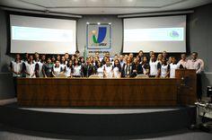 Senado recebe primeira turma de jovens aprendizes