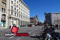 Plaça Catalunya, Barcelona. Grup Actialia ofrece sus servicios en Barcelona: Diseño web, Diseño gráfico, Imprenta y Rotulación. www.grupoactialia.com
