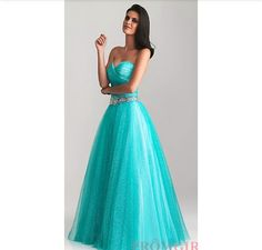 Another pretty dress that will make any girl feel like a princess at her dream dance!