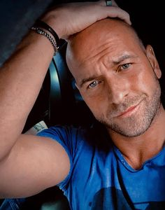 Bald Haircut, Male Face, Bellisima, A Good Man, Hair Cuts, Woman, Nice, Sweetie Belle, Haircuts
