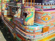 Collection of decorated trucks and buses of pakistan images photographs decorated trucks and buses pakistan trucks flowers art truck art drawings paintings Truck Art Pakistan, Pakistan Art, Vauxhall Motors, Pakistan Images, Truck Detailing, Pakistani Culture, Gypsy Wagon, Gypsy Caravan, Garbage Truck