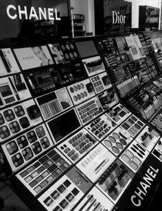 ICI PARIS XL @ V&D Breda - Opdracht - Maak foto's van dingen die je inspireren - Camera: iPhone 4S - bewerkprogramma: Photo Studio FX