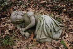 A child's grave, Lakeview Cemetery, Cleveland, Ohio