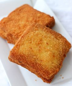Mozzarella In Carrozza is an Italian deep-fried mozzarella sandwich - Golden crisp on the outside and creamy melt-in-your-mouth on the inside.