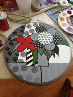 Para guardar En tatica Hand Painted Furniture, Funky Furniture, Wood Pallet Crafts, Polymer Clay Painting, Painted Stools, Paint Your Own Pottery, Free Motion Embroidery, Art Decor, Decoration