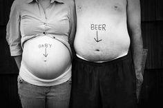 Welcher Bauch hat wohl mehr Arbeit gekostet? #Babybauch #schwanger #Schwangerschaft #Fotoshooting