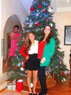 Best Christmas photobomb