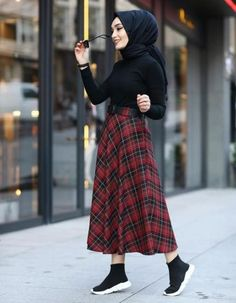 Skirt Outfits Hijab Abayas 50 Ideas For 2019 Tesettür Şalvar Modelleri 2020 Modern Hijab Fashion, Street Hijab Fashion, Hijab Fashion Inspiration, Muslim Fashion, Skirt Fashion, Fashion Outfits, 80s Fashion, Casual Hijab Outfit, Hijab Chic