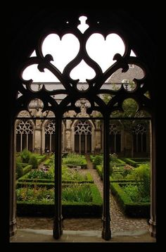 Isabeau Grey: Gardens and ruins, my favorite combination.