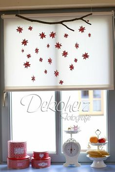 Frozen stars on a branch. - Frozen stars on a branch. Last Christmas, Christmas Sewing, Christmas Mood, Diy Paper, Paper Art, Paper Crafts, Diy Projects To Try, Craft Projects, Diy Natal