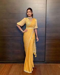 Indian Bollywood Saree Polka Dot Designer Sari For Occasions Wear Silk Saree / Party Wear Saree / Saree With Blouse / Blouse With Saree Sari Blouse Designs, Saree Blouse Patterns, Fancy Blouse Designs, Latest Blouse Designs, New Saree Designs, Skirt Patterns, Coat Patterns, Sewing Patterns, Indian Fashion Dresses