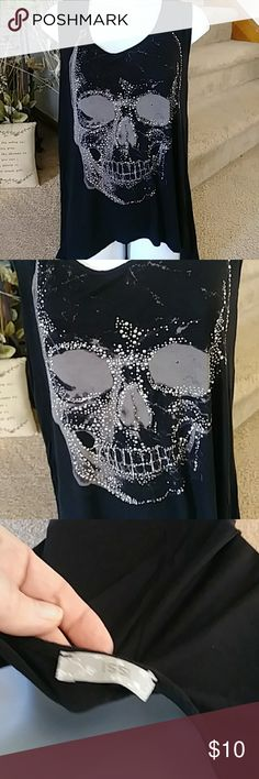 Skull tank by ISSI size M Embellished skull tank by ISSI size M Slight hi low with sheer panel ISSI Tops Tank Tops