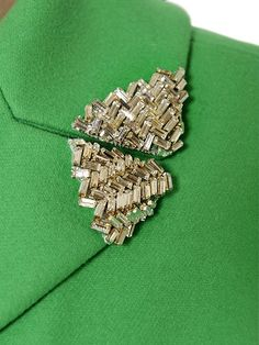 Nice collar detail you can add to your coats and jackets for a little sparkle and shine! Bead Embroidery Patterns, Tambour Embroidery, Embroidery Fashion, Embroidery Dress, Ribbon Embroidery, Beaded Embroidery, Embroidery Stitches, Embroidery Designs, Couture Details