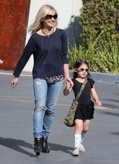 Sarah Michelle Gellar wearing Rag & Bone Harrow Booties in Black.