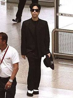 Prince and those flip flops!