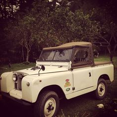 Needing this old school Land Rover now!