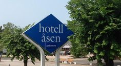 Hotell Åsen Anderstorp Hotell Åsen is situated in central Anderstorp, 4 km from the Scandinavian Raceway motor racing track. It offers free Wi-Fi access. All rooms have air conditioning and a TV.