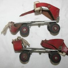 Had a pair :) Retro 1, Retro Toys, Vintage Toys, Quote Posters, Toy Store, Childhood Memories, Old School, Photos, Cool Stuff