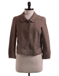 Check it out! Banana Republic, Size 6. Priced at $19.95.