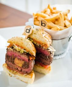 Stop in for light bites or serious eats at these top Vegas restaurants