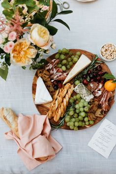 "theglitterguide: "" A French-Inspired Garden Dinner Soirée "" I Love Food, Good Food, Yummy Food, Antipasto, Appetizer Recipes, Appetizers, Brunch, Cheese Platters, Cheese Table"