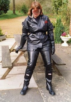 Lay down slave ! I'm gonna sit on your face . Wellies Rain Boots, Green Raincoat, Rubber Raincoats, Black High Boots, Leder Outfits, Heavy Rubber, Wellington Boot, Rain Wear, Black Nylons