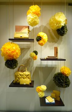 Smythson's Store Window Display - fabulous use of color.