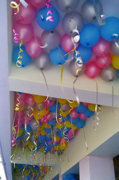 A gas balloon is a balloon that stays in the air because it is filled with a gas less dense than air or lighter than air (such as helium or hydrogen). Balloon Table Centerpieces, Ballon Decorations, Birthday Organizer, Helium Balloons, Delhi Ncr, Birthday Parties, Party, Anniversary Parties, Birthday Celebrations